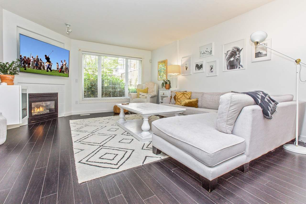 """Main Photo: 27 2351 PARKWAY Boulevard in Coquitlam: Westwood Plateau Townhouse for sale in """"WINDANCE"""" : MLS®# R2489558"""