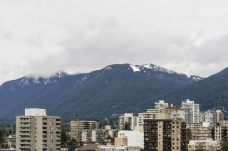 """Photo 11: 1804 145 ST. GEORGES Avenue in North Vancouver: Lower Lonsdale Condo for sale in """"Talisman Tower"""" : MLS®# R2426271"""