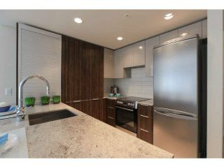"""Photo 7: 701 1088 RICHARDS Street in Vancouver: Yaletown Condo for sale in """"RICHARDS LIVING"""" (Vancouver West)  : MLS®# V1139508"""