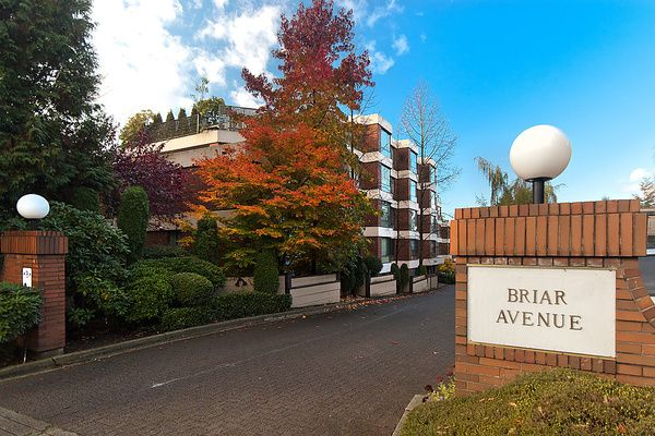 Main Photo: 202 2140 BRIAR Avenue in Vancouver: Quilchena Condo for sale (Vancouver West)  : MLS®# V1047888