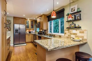 Photo 5: 9189 APPLEHILL Crescent in Surrey: Queen Mary Park Surrey House for sale : MLS®# R2621873