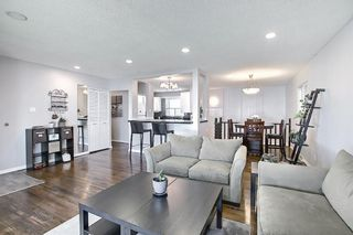 Photo 4: 9819 2 Street SE in Calgary: Acadia Detached for sale : MLS®# A1112448