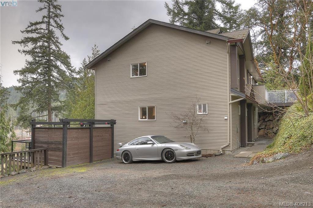 Photo 20: Photos: A & B 3232 Loledo Pl in VICTORIA: La Luxton Full Duplex for sale (Langford)  : MLS®# 811181