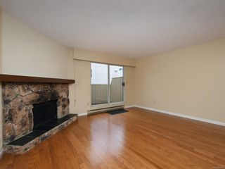 Photo 2: 102 1611 Belmont Ave in : Vi Fernwood Row/Townhouse for sale (Victoria)  : MLS®# 865974