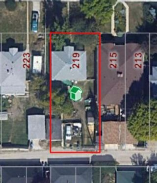 Photo 3: 219 24 Avenue NW in Calgary: Tuxedo Park Detached for sale : MLS®# A1079337