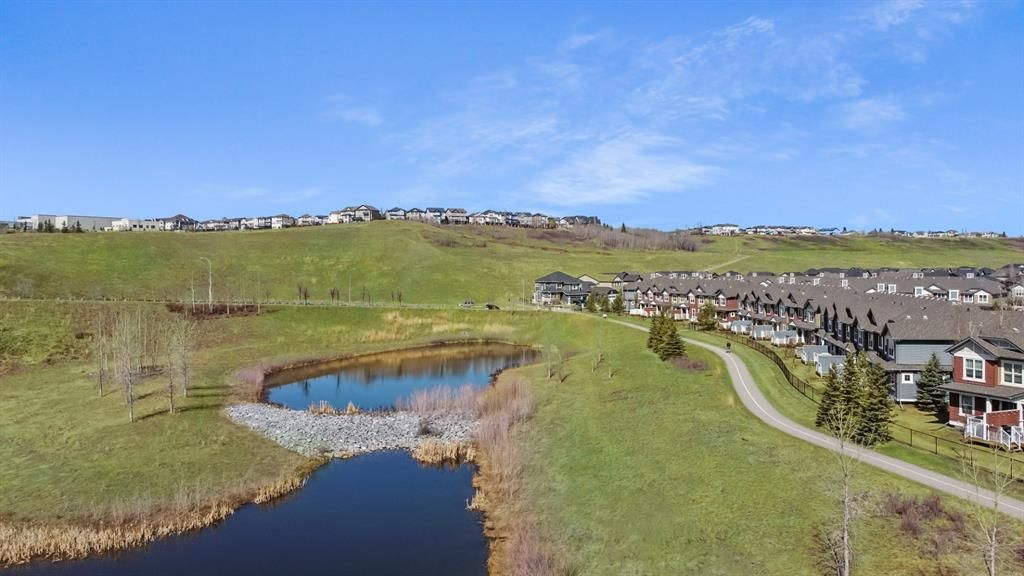 Main Photo: 59 CHAPARRAL VALLEY Gardens SE in Calgary: Chaparral Row/Townhouse for sale : MLS®# A1099393