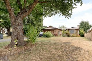 Photo 3: 8488 151A Street in Surrey: Bear Creek Green Timbers House for sale : MLS®# R2600033