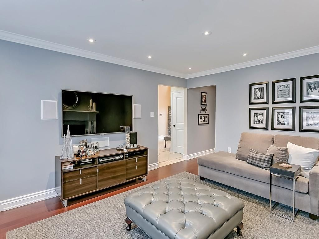 Photo 8: Photos: 2140 SIXTH Line in Oakville: Residential for sale : MLS®# H4068509