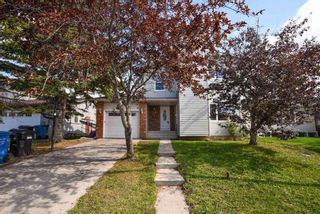Photo 2: 40 Whitefield Crescent NE in Calgary: Whitehorn Detached for sale : MLS®# A1139313