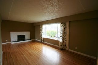 Photo 3: 9340 GORMOND Road in Richmond: Home for sale : MLS®# V914159