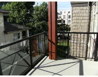 """Photo 9: 204 2336 WHYTE Avenue in Port_Coquitlam: Central Pt Coquitlam Condo for sale in """"THE CENTREPOINTE"""" (Port Coquitlam)  : MLS®# V725122"""