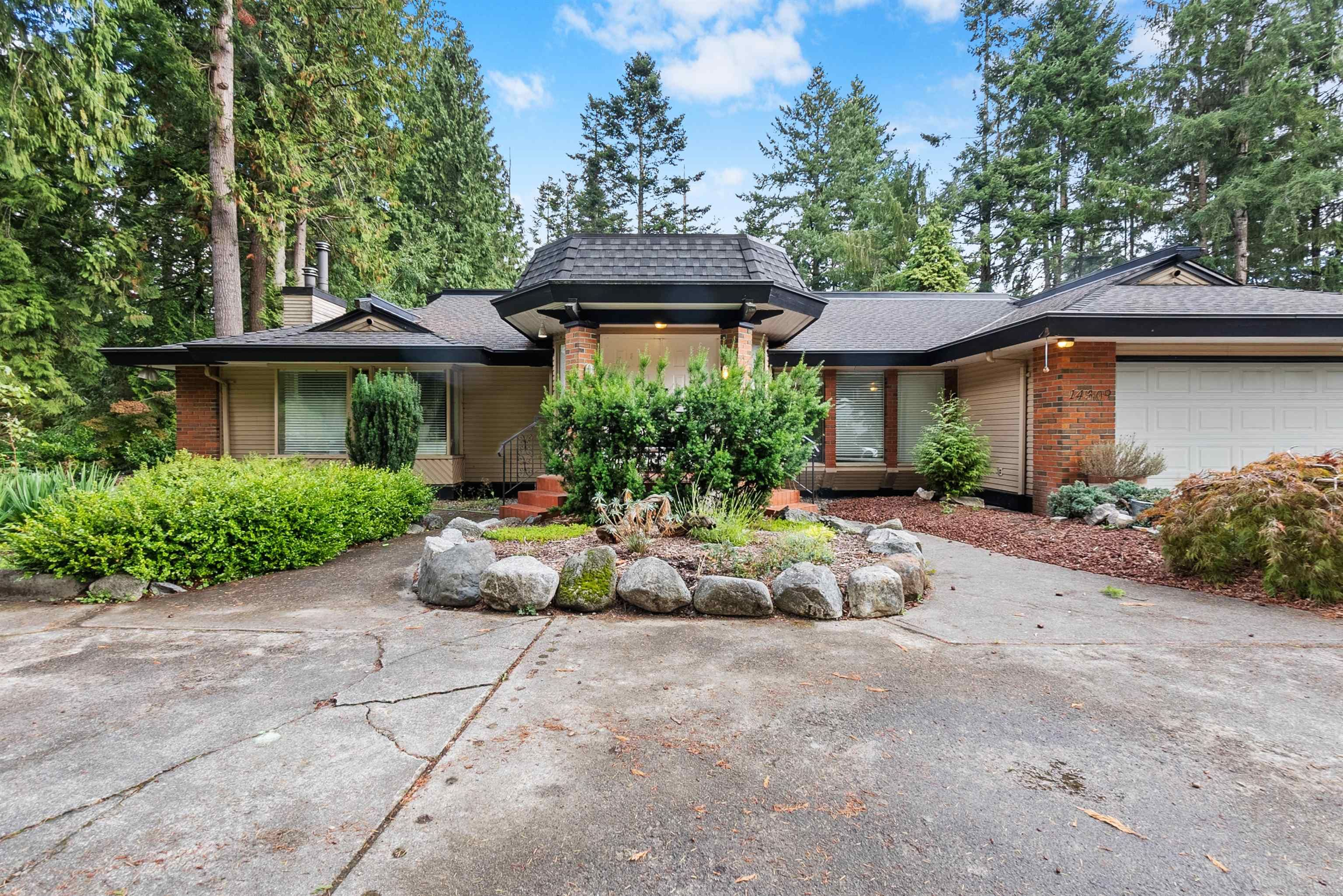 """Main Photo: 14309 GREENCREST Drive in Surrey: Elgin Chantrell House for sale in """"Elgin Creek Estates"""" (South Surrey White Rock)  : MLS®# R2621314"""