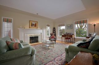Photo 3: 3239 West 36th Avenue in Vancouver: MacKenzie Heights Home for sale ()  : MLS®# V934290
