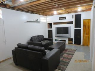 Photo 16: 357 Woodvale Crescent SW in Calgary: Woodlands Semi Detached for sale : MLS®# A1135631