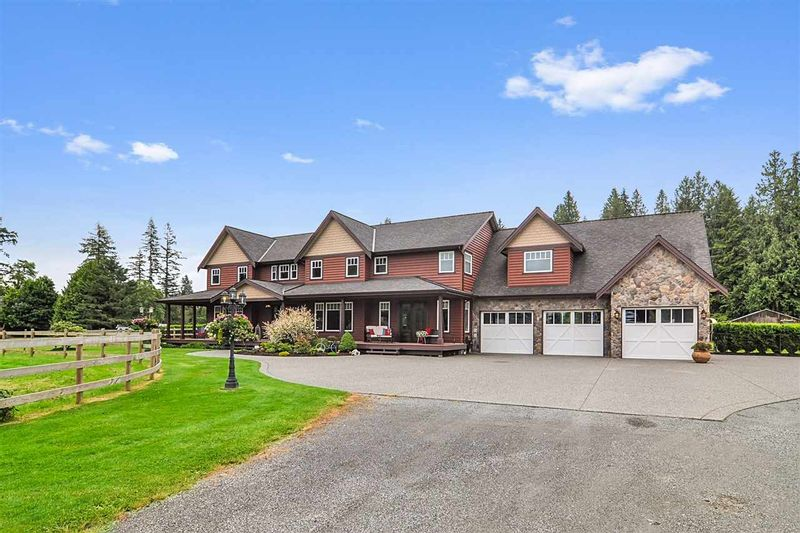 FEATURED LISTING: 24760 ROBERTSON Crescent Langley