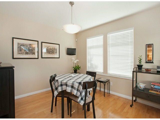 """Photo 4: Photos: 5 235 E 11TH Street in North Vancouver: Central Lonsdale Townhouse for sale in """"Fairview Court"""" : MLS®# V1094152"""