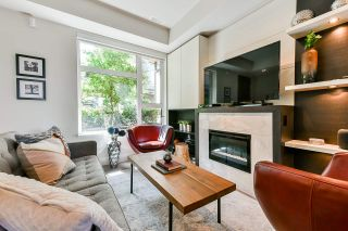 Photo 2: 5528 OAK Street in Vancouver: Cambie Townhouse for sale (Vancouver West)  : MLS®# R2545156