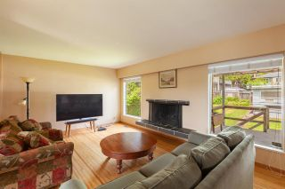Photo 3: 808 E 4TH Street in North Vancouver: Queensbury House for sale : MLS®# R2589883