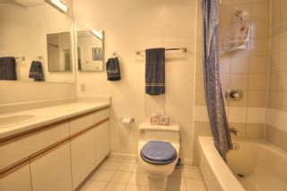 """Photo 14: 6B 766 W 7TH Avenue in Vancouver: Fairview VW Townhouse for sale in """"THE WILLOW COURT"""" (Vancouver West)  : MLS®# V738197"""