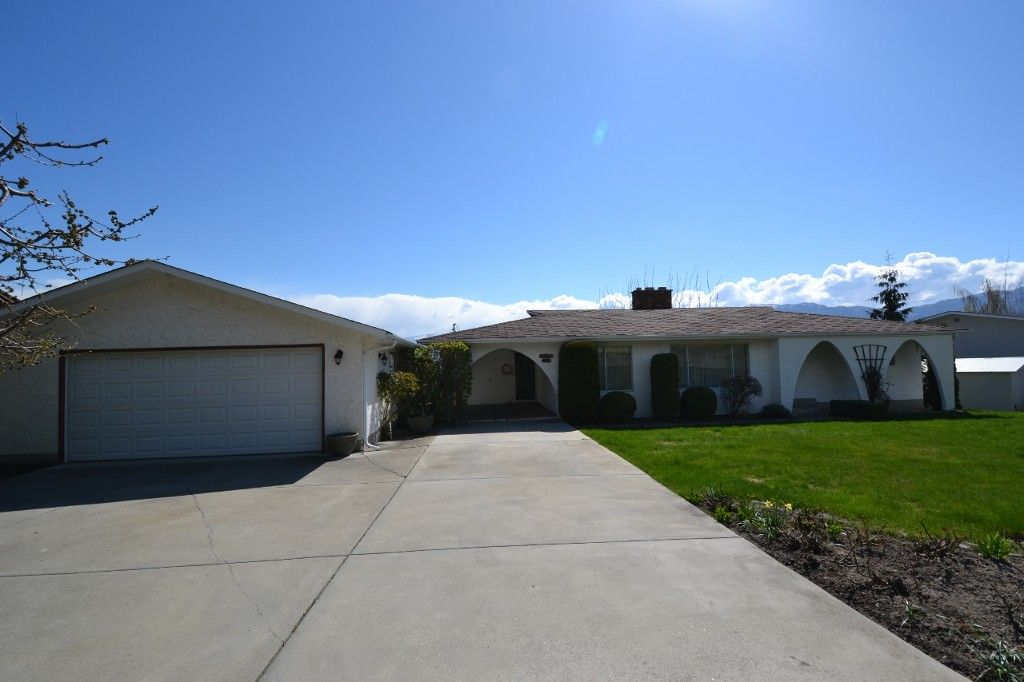 Main Photo: 3821 Harding RD in West Kelowna: Westbank Centre House for sale (Central Okanagan)  : MLS®# 10060736