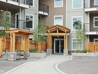 Photo 7: 114 21 Conard St in View Royal: VR Hospital Condo for sale : MLS®# 588594
