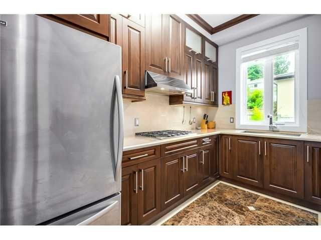 Photo 6: Photos: 4791 CLINTON ST in Burnaby: South Slope House for sale (Burnaby South)  : MLS®# V1084047