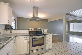 Photo 10: 635 Tavender Road NW in Calgary: Thorncliffe Detached for sale : MLS®# A1117186