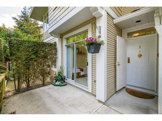 """Photo 2: 5 3590 RAINIER Place in Vancouver: Champlain Heights Townhouse for sale in """"Sierra"""" (Vancouver East)  : MLS®# R2574689"""