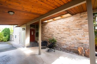 Photo 2: 1112 WILMINGTON Drive in Delta: Tsawwassen Central House for sale (Tsawwassen)  : MLS®# R2611847