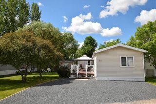 Photo 2: 36 VERNON KEATS Drive in St Clements: Pineridge Trailer Park Residential for sale (R02)  : MLS®# 202014656
