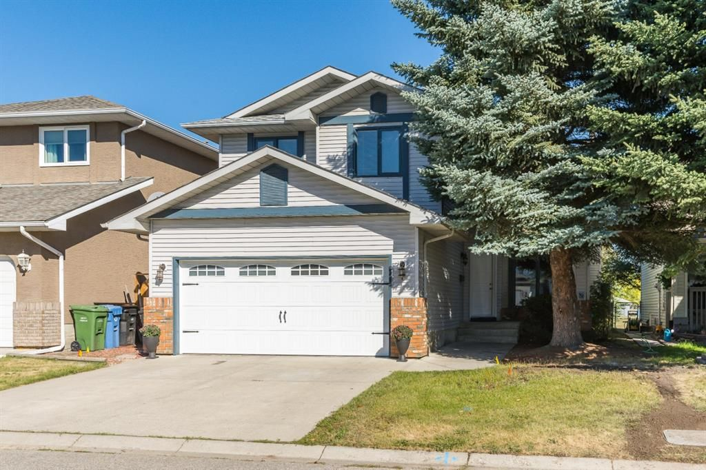 Main Photo: 21 MCKENZIE Place SE in Calgary: McKenzie Lake Detached for sale : MLS®# A1032220