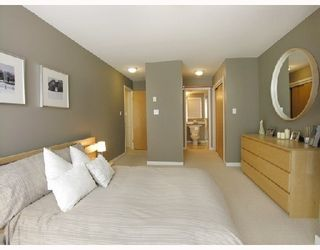 Photo 6: #202 - 212 Lonsdale Avenue in North Vancouver: Lower Lonsdale Condo  : MLS®# V702053