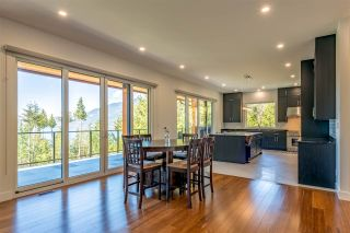"Photo 5: 1024 GOAT RIDGE Drive: Britannia Beach House for sale in ""Britannia Beach"" (Squamish)  : MLS®# R2528236"