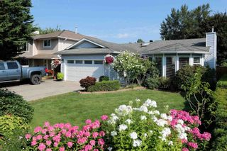 Photo 2: 21113 93 Avenue in Langley: Walnut Grove House for sale : MLS®# R2606818