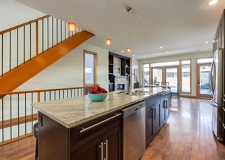 Photo 13: 3322 41 Street SW in Calgary: Glenbrook Detached for sale : MLS®# A1069634
