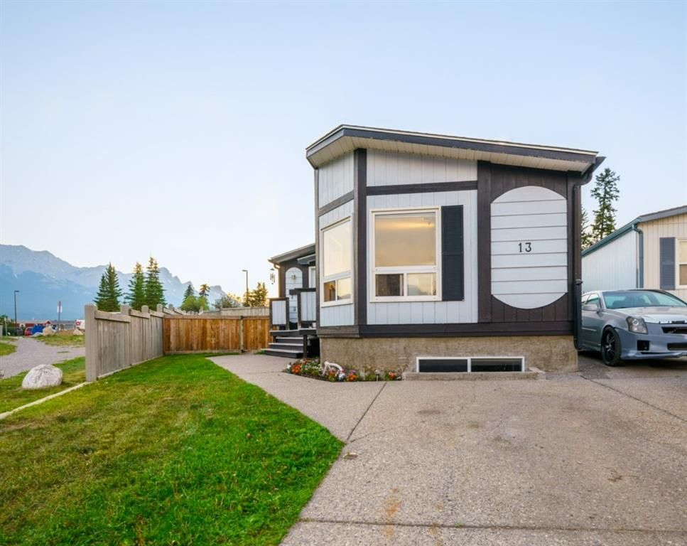 Main Photo: 13 Grotto Close: Canmore Detached for sale : MLS®# A1133163