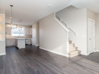 Photo 9: 32 SKYVIEW Parade NE in Calgary: Skyview Ranch Row/Townhouse for sale : MLS®# C4289138