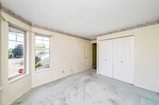 """Photo 27: 129 8737 212 Street in Langley: Walnut Grove Townhouse for sale in """"Chartwell Green"""" : MLS®# R2490439"""
