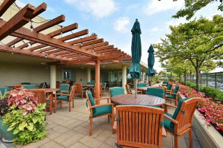 """Photo 17: 810 2799 YEW Street in Vancouver: Kitsilano Condo for sale in """"TAPESTRY AT ARBUTUS WALK"""" (Vancouver West)  : MLS®# R2534721"""