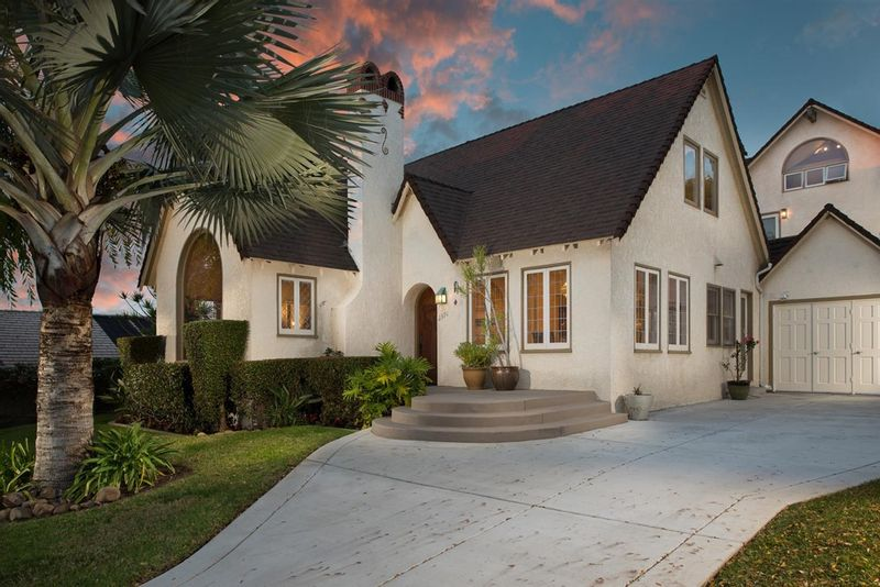 FEATURED LISTING: 2370 Hickory San Diego