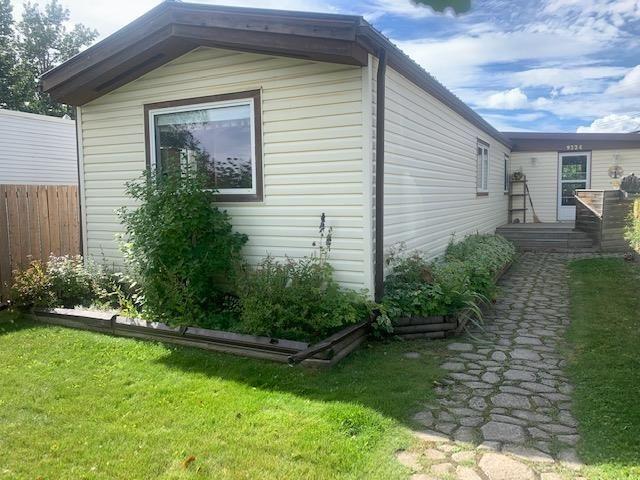 Main Photo: 9224 75 Street in Fort St. John: Fort St. John - City SE Manufactured Home for sale (Fort St. John (Zone 60))  : MLS®# R2613209