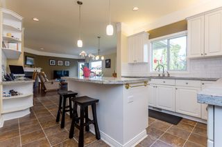 """Photo 5: 21555 47B Avenue in Langley: Murrayville House for sale in """"Macklin Corners"""" : MLS®# R2040305"""