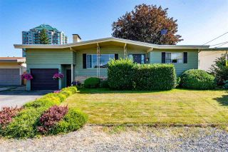 Photo 1: 31932 ROYAL Crescent in Abbotsford: Abbotsford West House for sale : MLS®# R2482540