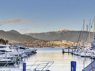 "Photo 20: 1305 588 BROUGHTON Street in Vancouver: Coal Harbour Condo for sale in ""HARBOURSIDE PARK"" (Vancouver West)  : MLS®# R2547204"
