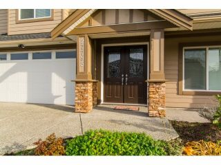 Photo 2: 27785 PORTER Drive in Abbotsford: House for sale : MLS®# F1426837