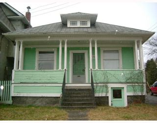 Photo 1: 2224 VICTORIA Drive in Vancouver: Grandview VE House for sale (Vancouver East)  : MLS®# V756259