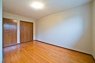 Photo 21: 51 Holland Street NW in Calgary: Highwood Semi Detached for sale : MLS®# A1131163