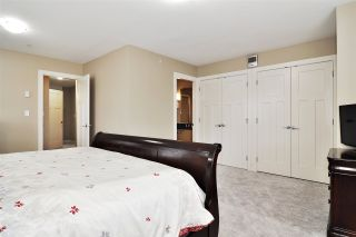"""Photo 12: 39 7298 199A Street in Langley: Willoughby Heights Townhouse for sale in """"York"""" : MLS®# R2542570"""