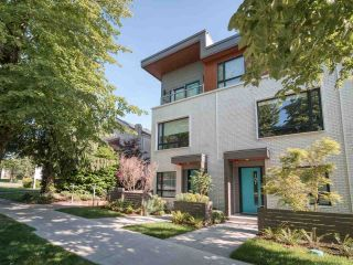 """Photo 23: 101 321 E 16TH Avenue in Vancouver: Mount Pleasant VE Townhouse for sale in """"ARNE"""" (Vancouver East)  : MLS®# R2467350"""