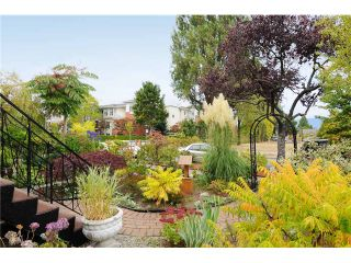 """Photo 10: 378 E 37TH Avenue in Vancouver: Main House for sale in """"MAIN"""" (Vancouver East)  : MLS®# V975789"""